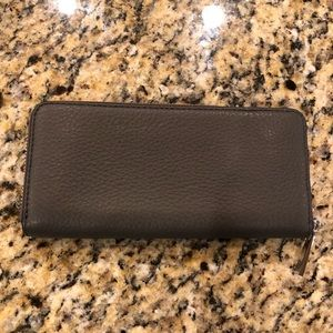 Marc Jacobs Bags - NEW Marc Jacobs Accordion Zip Leather Wallet